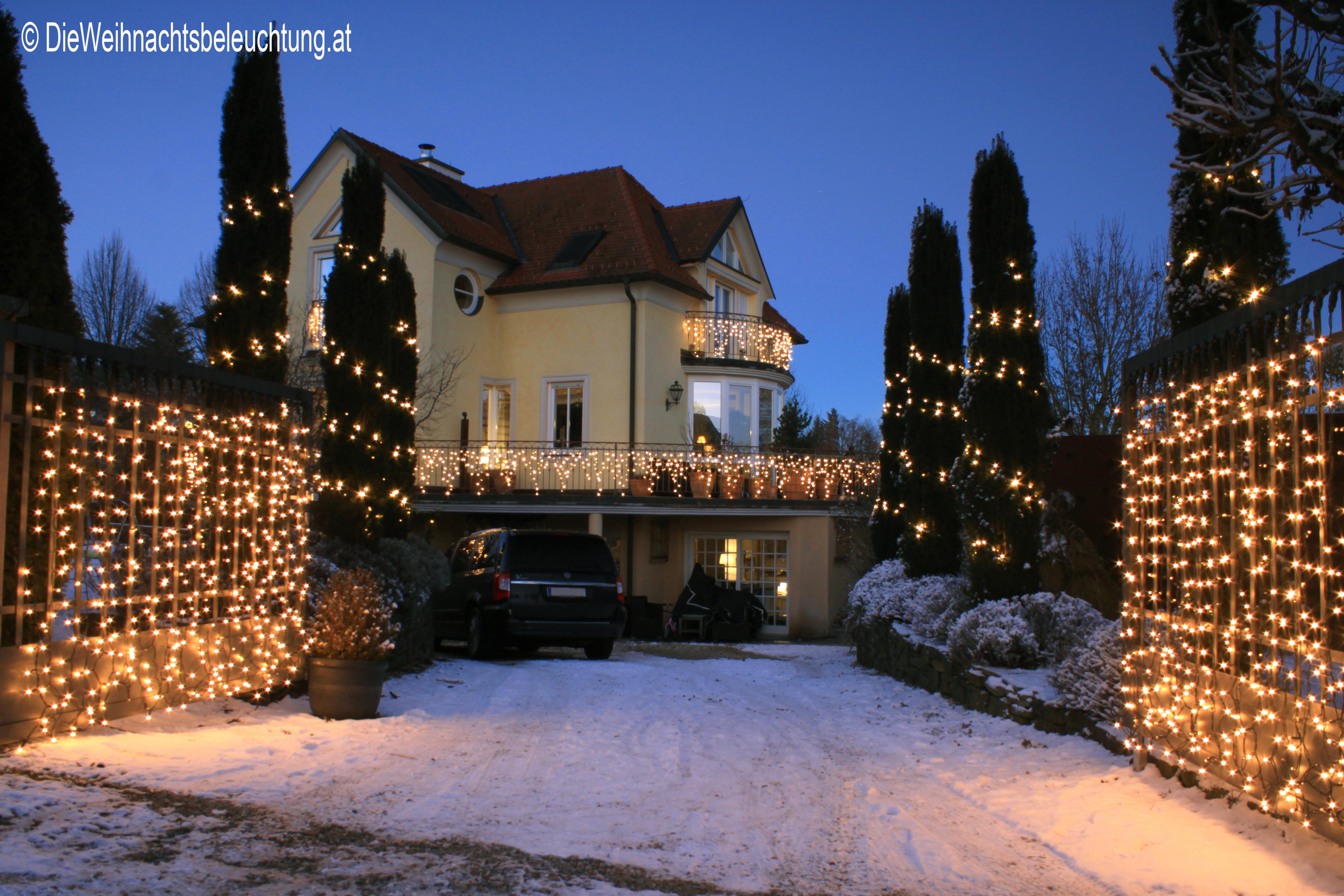 weihnachtsbeleuchtung f r haus und garten. Black Bedroom Furniture Sets. Home Design Ideas